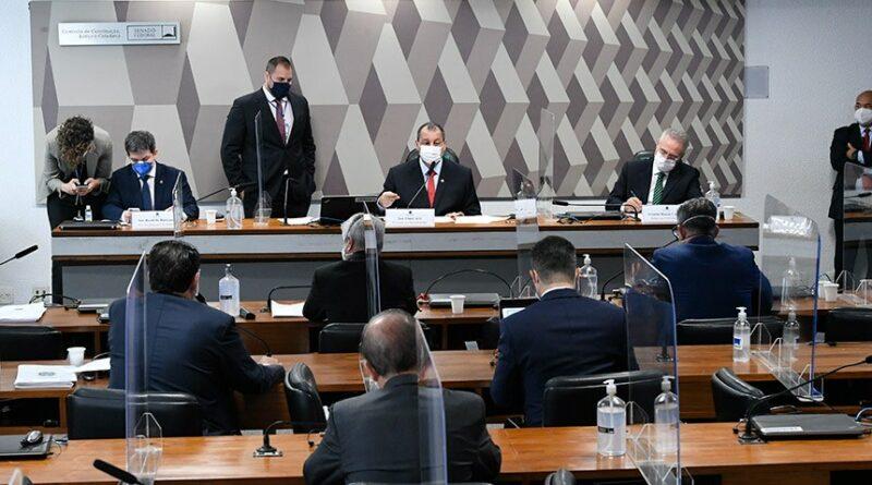 """CPI quebra sigilo de Eduardo Pazuello, Ernesto Araújo e """"gabinete paralelo"""""""